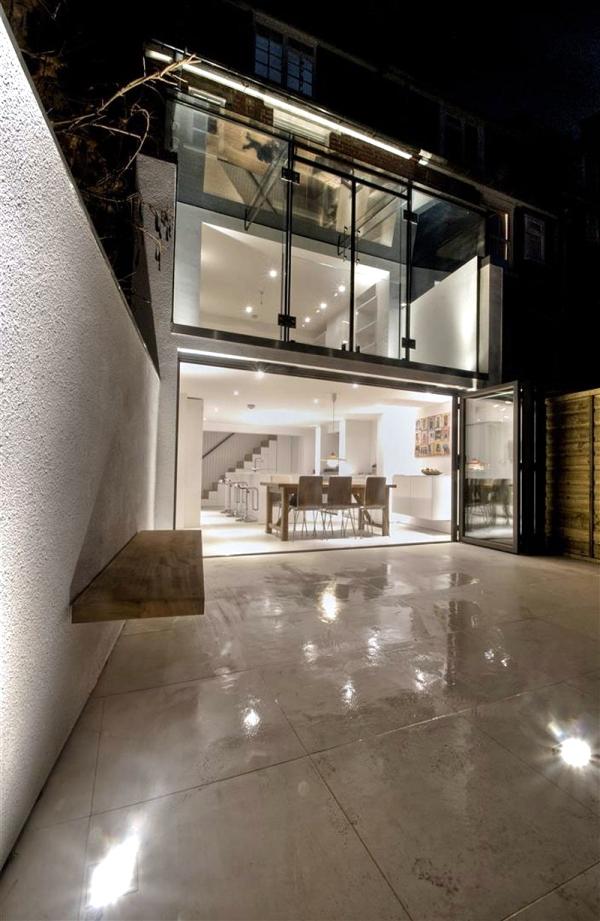Glass house back - Renewal Project AR Design Studio