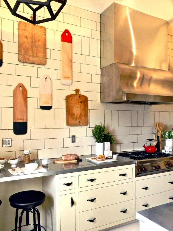Interesting decor and ideas for decorating the wall in the kitchen ...