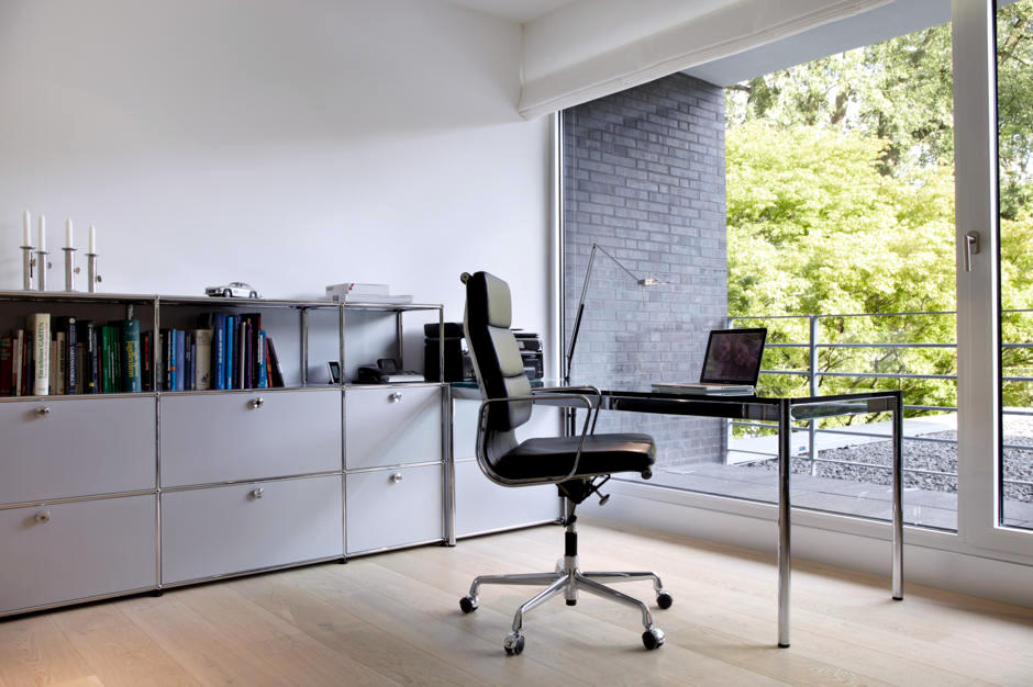 home office swivel chair with usm haller and vitra high council 0 957
