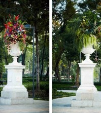 beautiful-sculptures-of-flowers-decorate-the-park-in-mexico-0-962