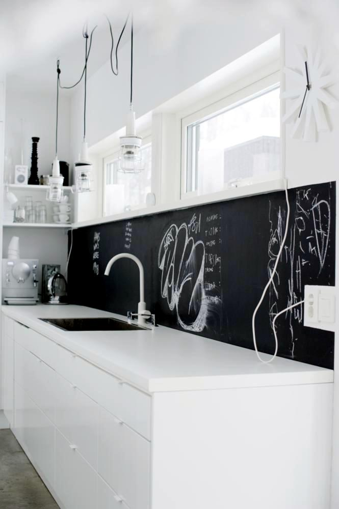 blackboard in kitchen interior design ideas ofdesign. Black Bedroom Furniture Sets. Home Design Ideas