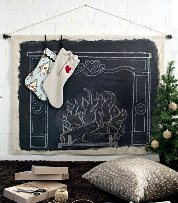 Christmas Decorations Ideas - old tree decorations give a new shine