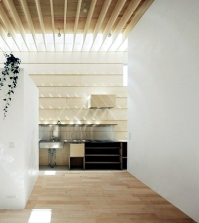 house-with-wooden-ceiling-plays-with-light-and-shadow-0-973