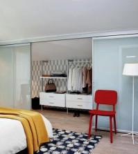dressing-room-with-sliding-glass-door-0-980