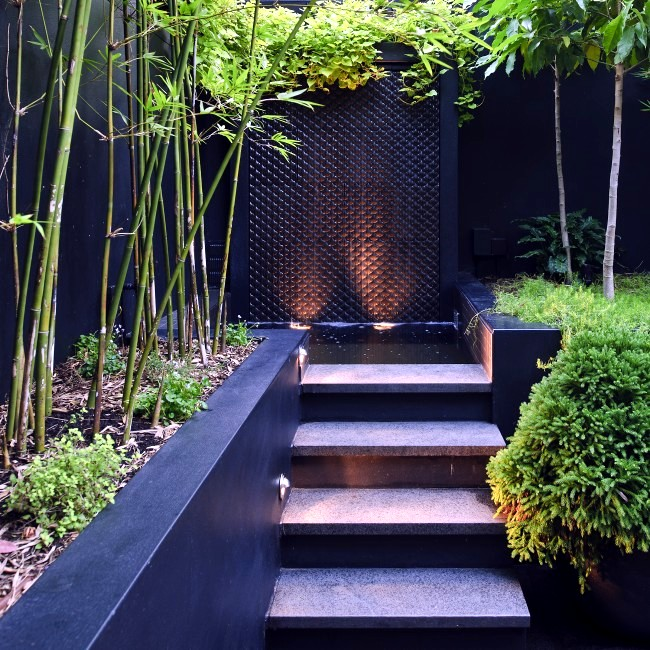 Modern landscape architecture in the garden two exotic for Modern landscape architecture