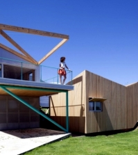 house-on-a-hill-with-a-seven-volume-modular-building-construction-0-989