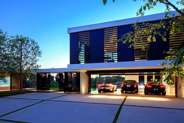 Perfect luxury glass and concrete meets all requirements for housing