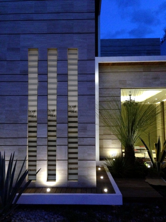 Modern family home - a fascinating new building of concrete and glass