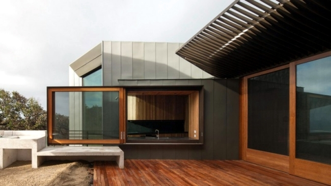 Modern house on the coast of Australia with an asymmetrical shape