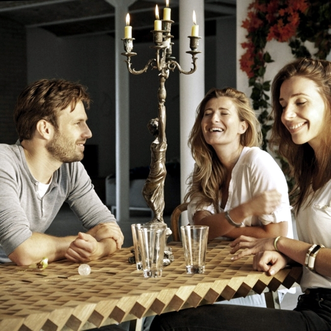 """""""Atlas"""" oak dining table - made with craftsmanship and precision"""