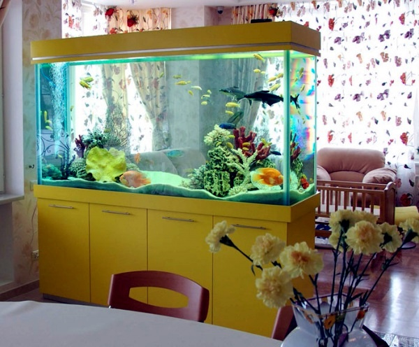 100 ideas integrate aquarium designs in the wall or in the for Aquarium interior designs pictures