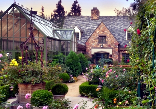 Charming 11 Garden Design Ideas Inspired By The Arts And Crafts Movement