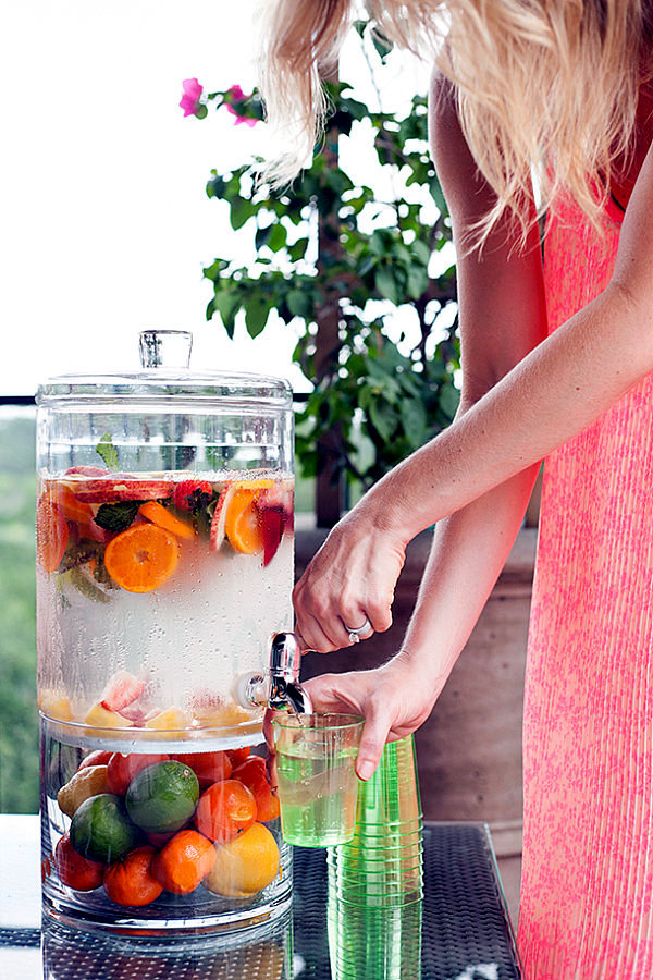 12 useful tips on how to organize and decorate a summer party