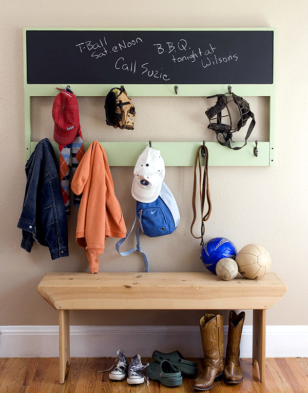 15 ideas to make your own clothes hook - hall and nursery decor