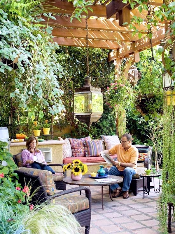 The pergola is a popular choice for sun protection in the garden - it offers not only a sunscreen but also the point of view of protection. & 25 ideas for sun protection in the garden pergola awning or ...