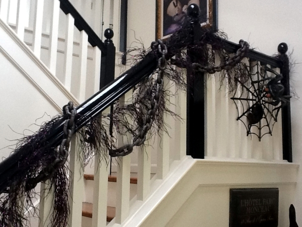 30 Fall and Halloween decorations for your stairs at home