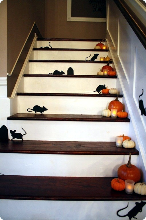 30 fall and halloween decorations for your stairs at home in