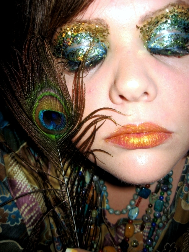 53 non-scary Halloween costumes, makeup and hairstyles ideas