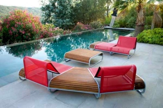7 ultra-modern lounge chair designs made of wood for outdoor use
