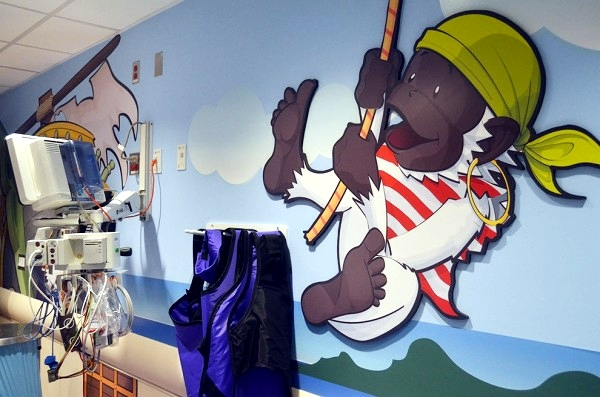 A children's hospital in the U.S. uses pirate decoration against child anxiety