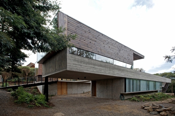A garden house with modern design of the DRN architect Santiago