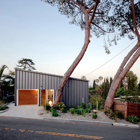 A house flower hill in Los Angeles