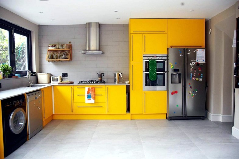A London house with colored notes