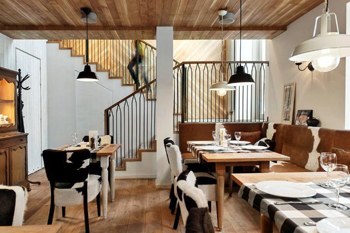 A restaurant in the chic rustic decor interior design ideas ofdesign for Deco restaurant design