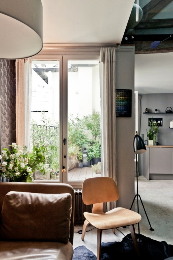 Apartment in Paris offers comfortable living in a minimalist style