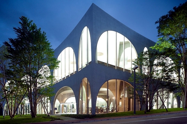 Modern Architecture Tokyo architect and pritzker prize 2015, which characterize modern