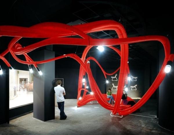 Art installations made of polyethylene tubes of Sebastien Wierinck
