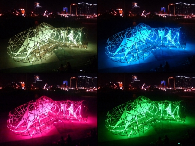Art sculpture made of bamboo in Macau is to install light in the evening