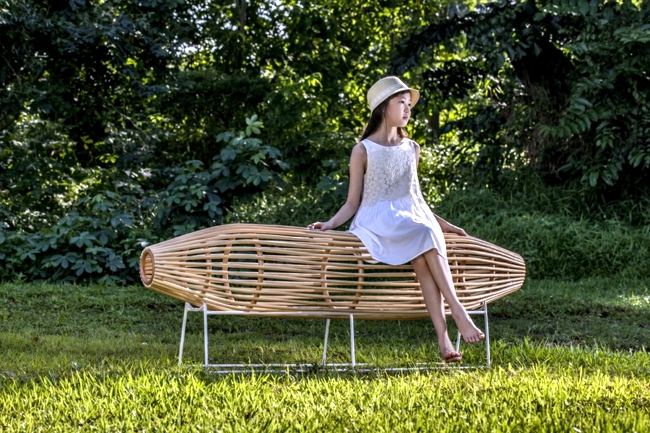 Asian rattan furniture - room divider Bilik and bench Bubu