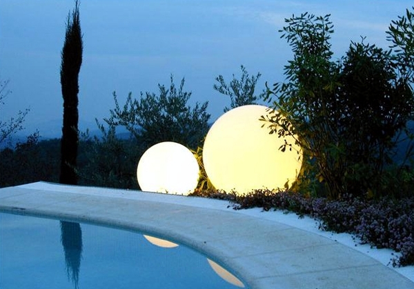 Attractive Ball Outdoor Lighting - indirect lighting for the garden