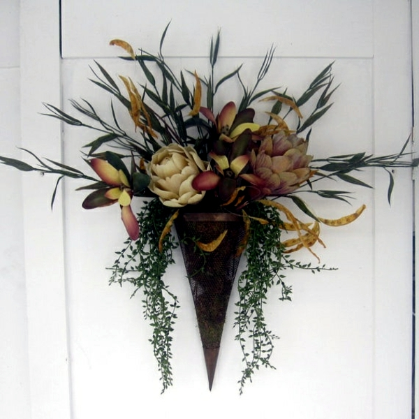 Autumn decoration with flowers arrange themselves to make flower arrangements in bags