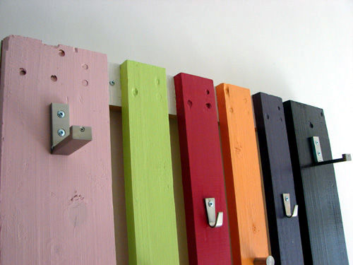 Build coat rack wooden pallets themselves - interesting DIY project