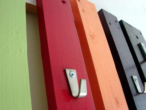 Build coat rack wooden pallets themselves - interesting DIY project
