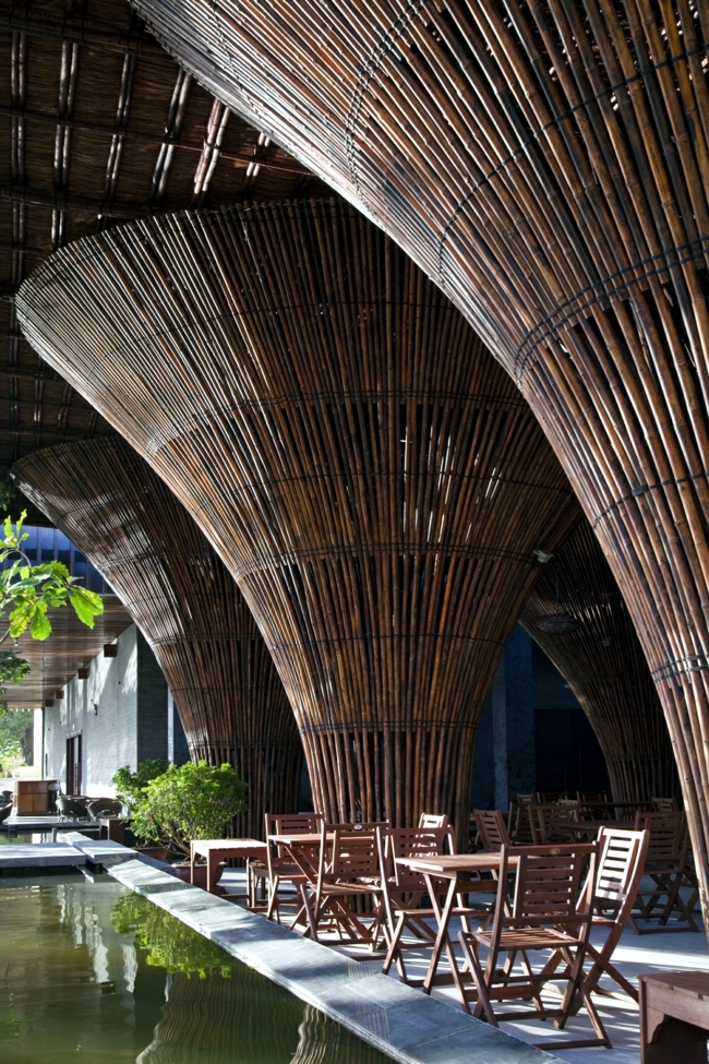 Café with exotic bamboo fixtures - Idea from Vietnam