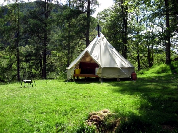 Camping Tents-select the right equipment for camping holidays