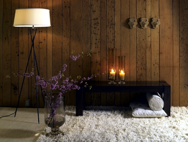 Candle Light And Wood Wall Decoration In The Home To Create