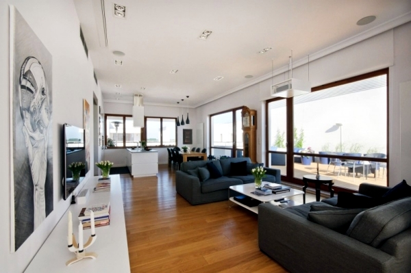 Chic penthouse with loft character of HOLA Design