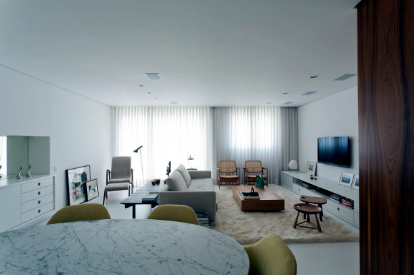 Chic white apartment design in minimalist style
