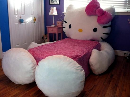 Children Bed Design - cozy Plush Animal to get children to sleep