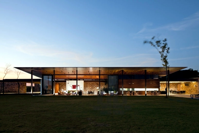 Clad Single Storey House With A Flat Roof In Brazil In Teak Interior Design Ideas Ofdesign