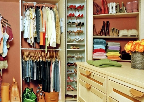 classification system for walk in wardrobe 3 practical tips interior design ideas ofdesign. Black Bedroom Furniture Sets. Home Design Ideas