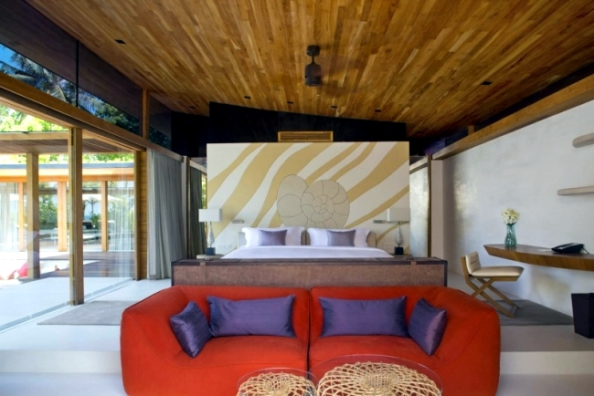 Coco Prive luxury resort in the Maldives offers private island vacation