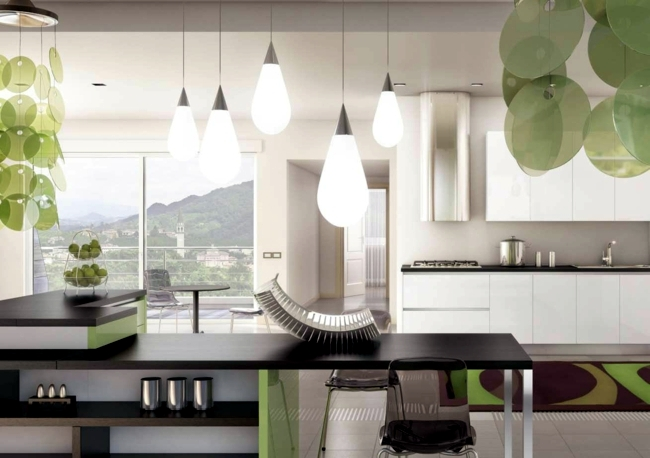 Colored high gloss kitchen for an individual living style