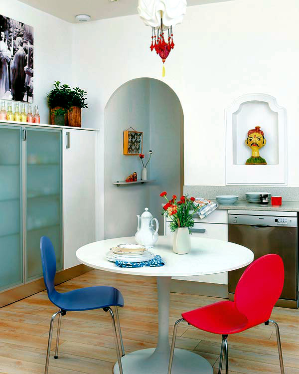 Colorful decor of an apartment in Madrid