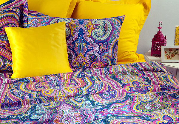 Summer Decorating Ideas   Colorful Patterned Cloth