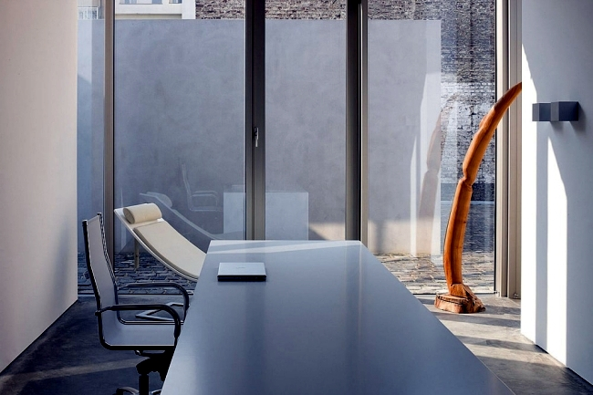 Converted old warehouse into a modern apartment in Dusseldorf